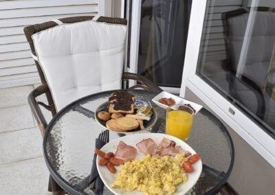 Breakfast_out_standard